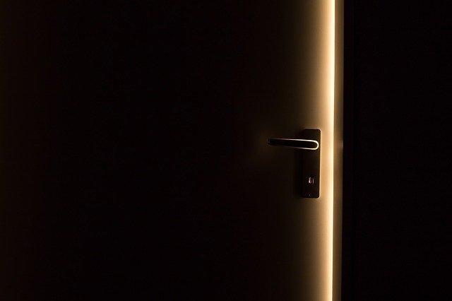 רכישת דלתות הדף