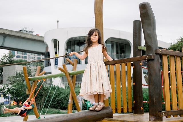 מתקני חצר בגני ילדים