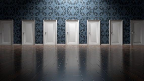 דלתות פנים לבית – עיצוב באמצעות ניגודיות או השלמה