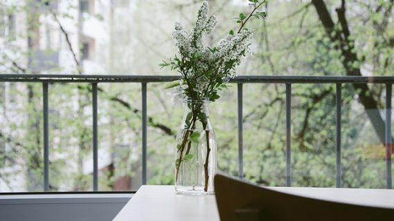 יתרונות של מעקות זכוכית