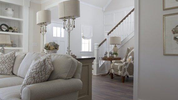 תכנון תאורה לסלון  – טיפים מאת ג'ק בר-און שרף