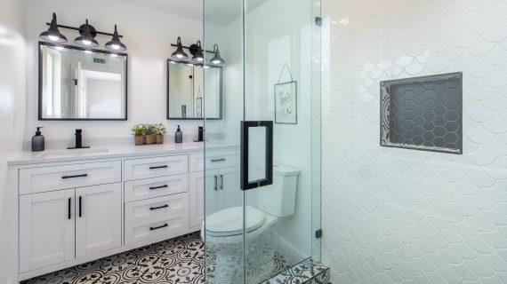 מה חשוב לבדוק כשבוחרים כלים סניטריים לאמבטיה?