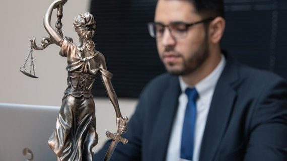 כיצד לבחור עורך דין לצורך פינוי שוכר