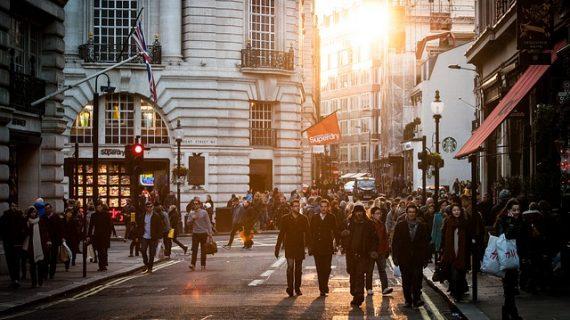 """אחוזי תשואה משתלמים עבור השקעות נדל""""ן באנגליה"""